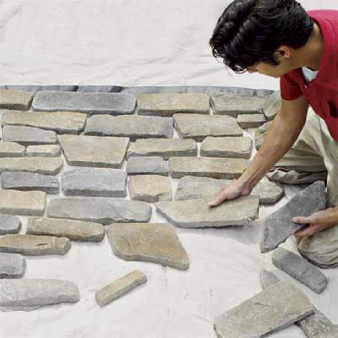 Искусственный камень положить
